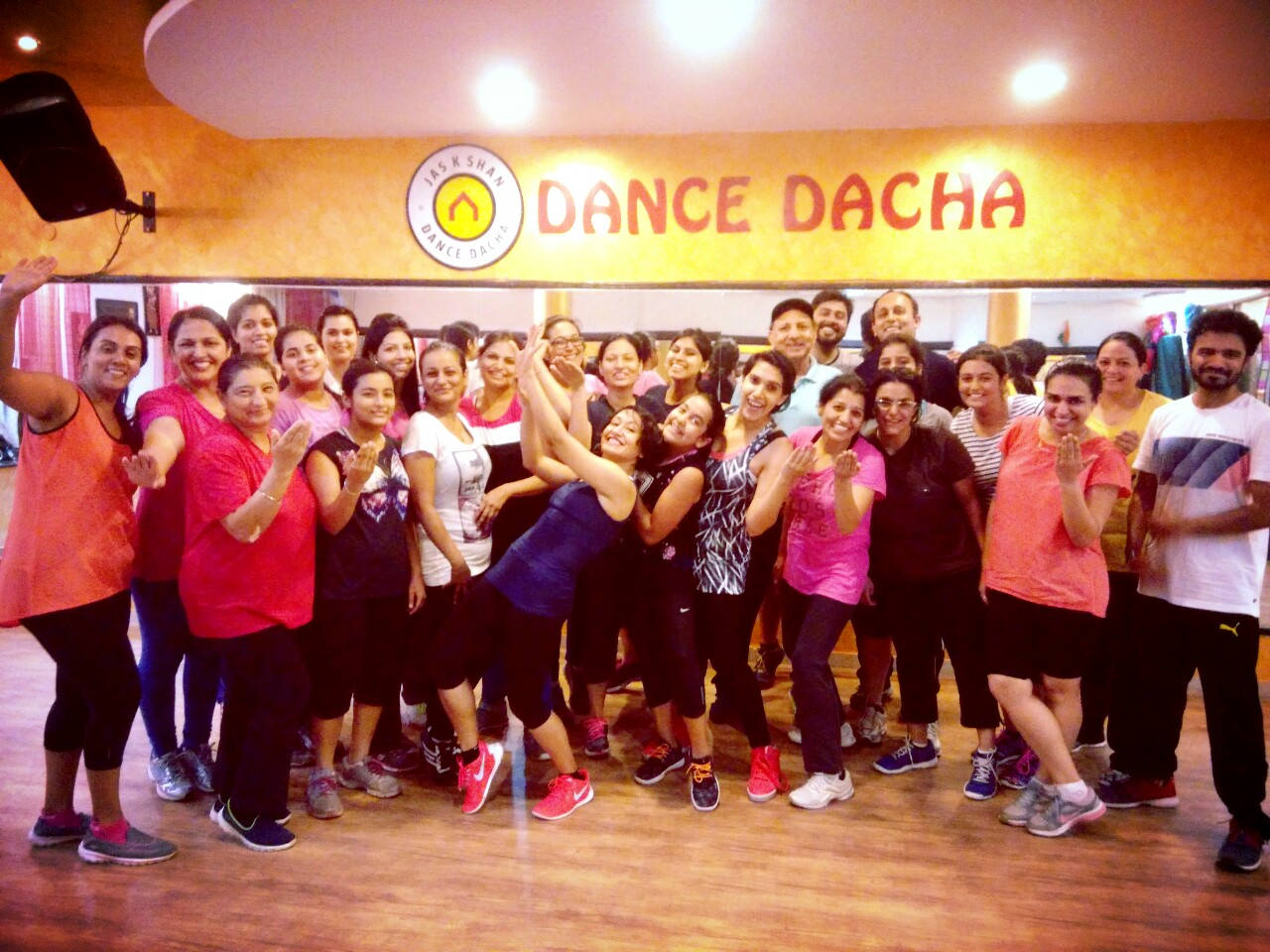 Jas k Shan Dance Dacha Chandigarh - Zumba Fitness Belly Dance Bollywood Punjabi Folk Latin Salsa Modern Contemporary Ballet Kickboxing Aerobics More