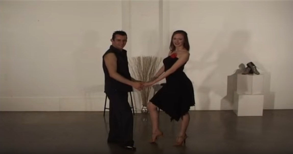 Learn Online Free - 100 Steps of Salsa - 100 Pasos de Salsa - Dance With Me India