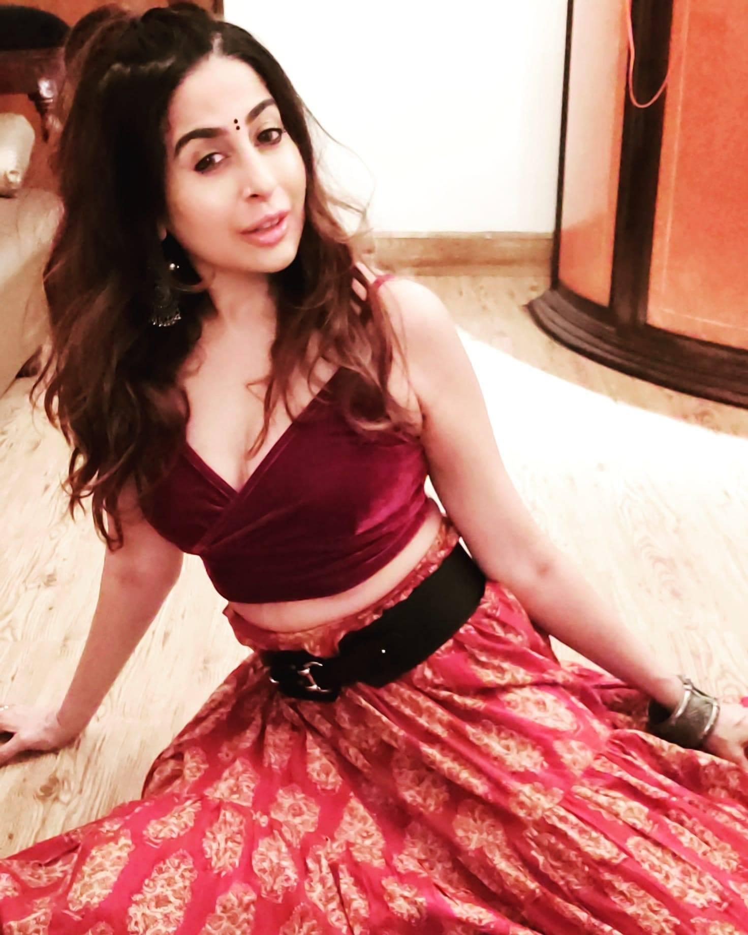 Nanda Kundu - Best Choreographer in Delhi Gurgaon Noida India wide